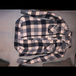 Long sleeved flannel size large